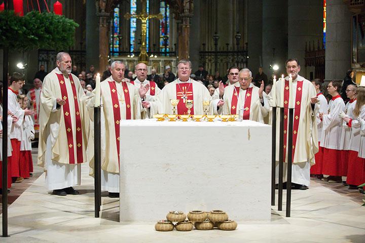 Altarweihe im Mariendom für Diözese Linz