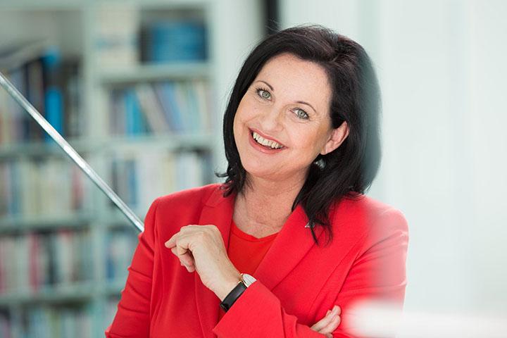 Anita Moser, AKD Bau