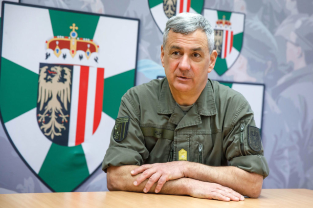OÖ Militärkommandant Dieter Muhr
